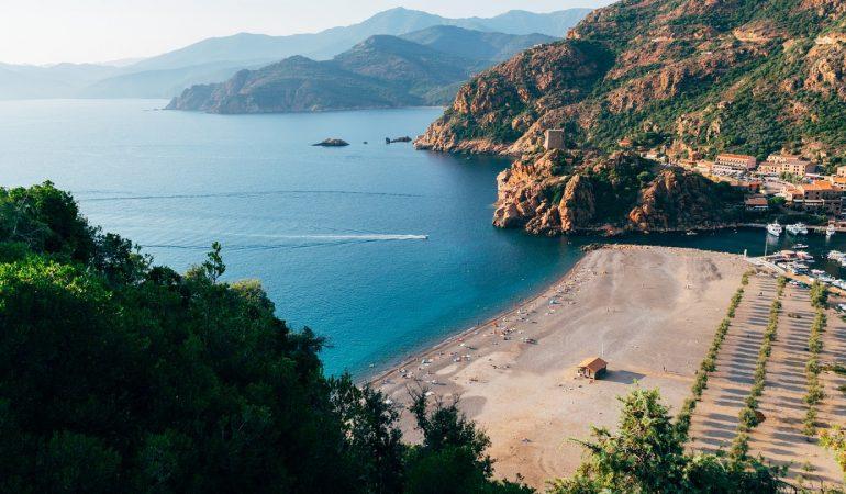 Partez en Corse pour profiter des vacances dans un camping